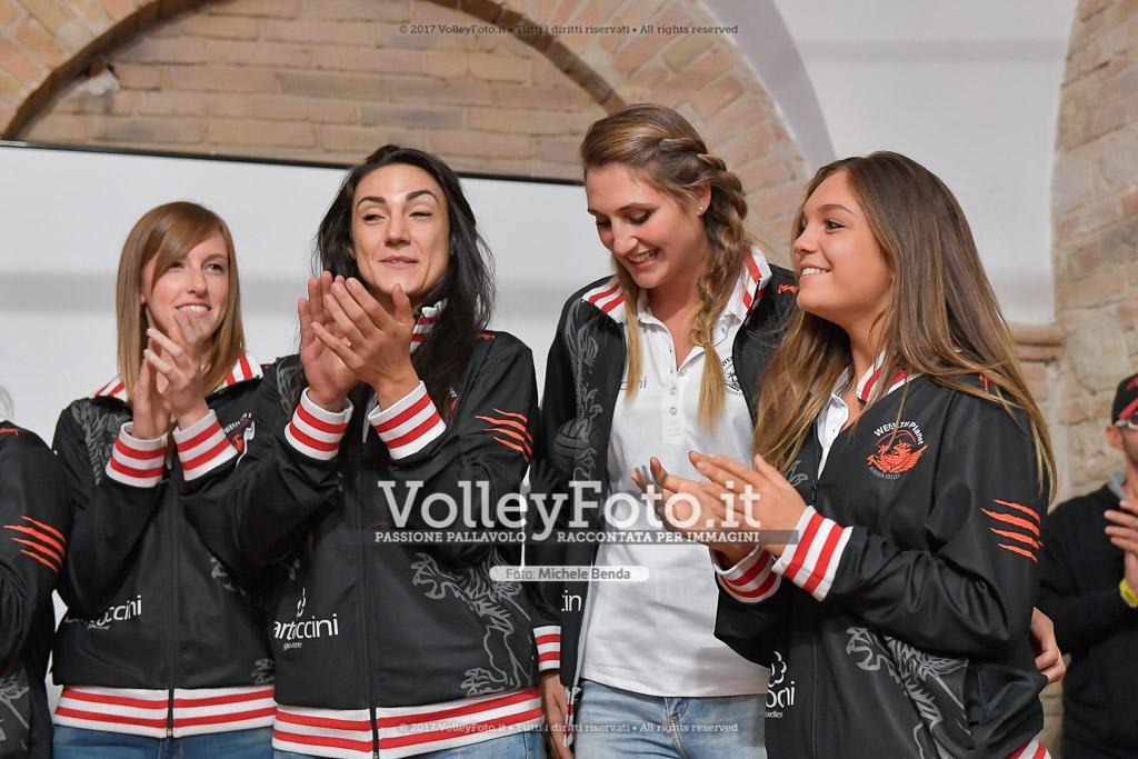 Valentina BARBOLINI [10], Vittoria REPICE [11], Giulia PASCUCCI [12], e Carolina SANTIBACCI [13]