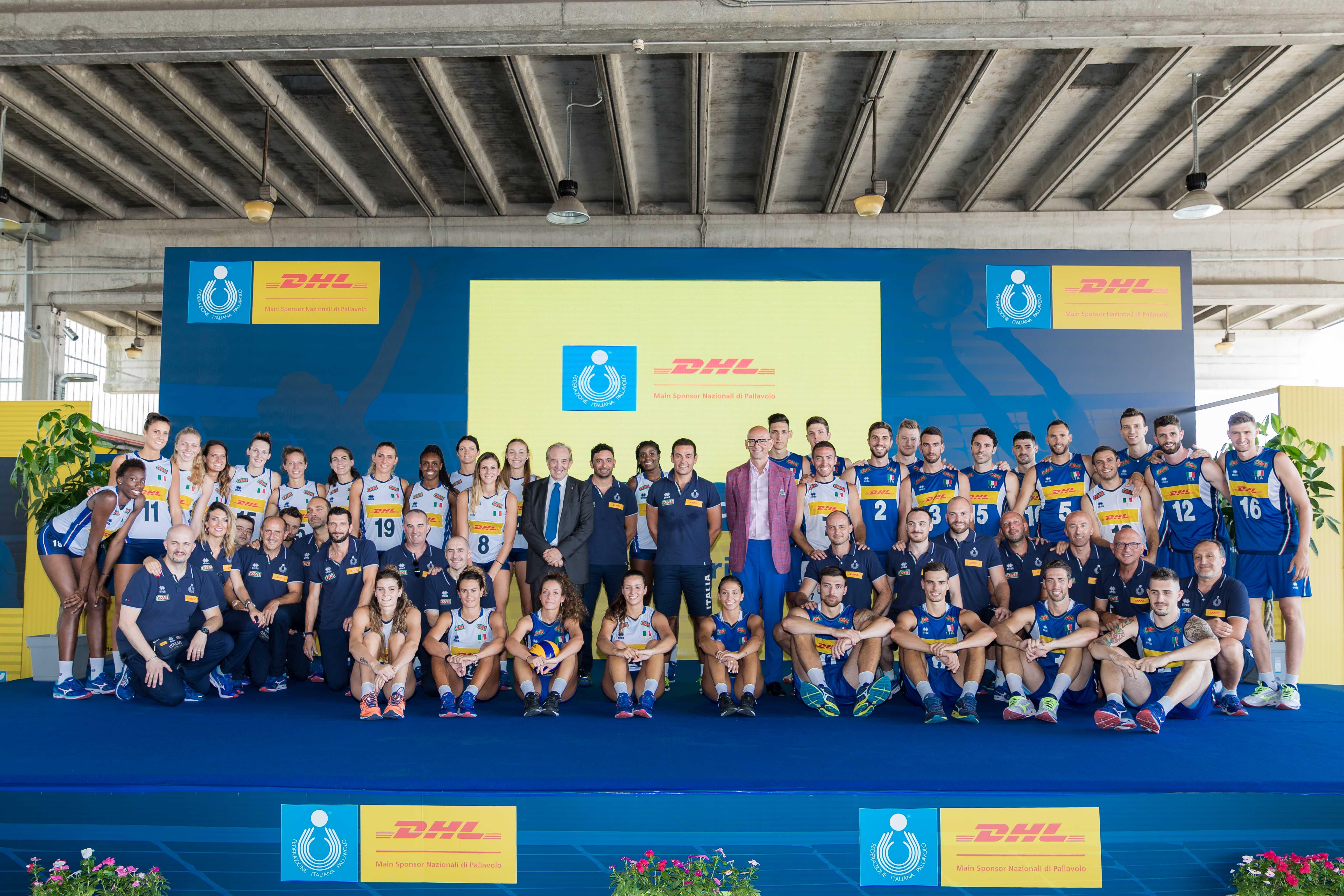Dhl ha incontrato la nazionale femminile e maschile in cammino verso i Mondiali